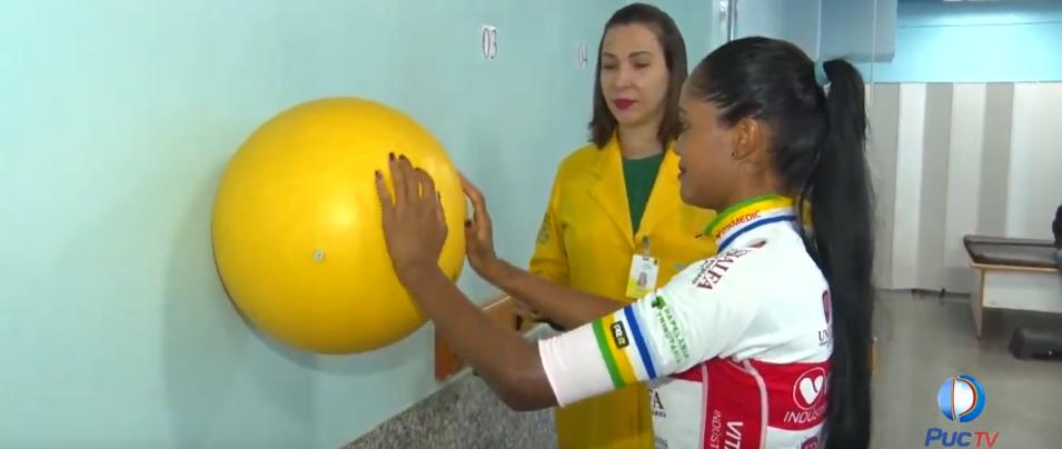 Ciclista conquista medalha no campeonato brasileiro após reabilitação no CRER