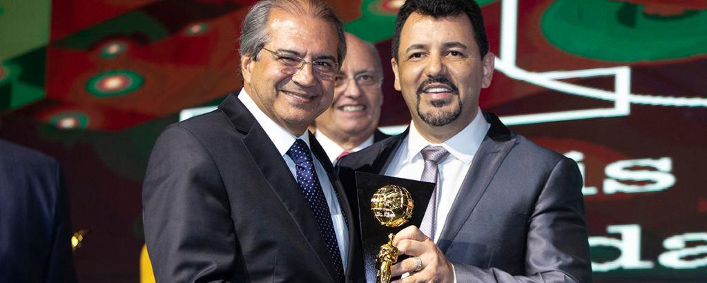 Provedor da Santa Casa da Bahia recebe o Oscar da Saúde
