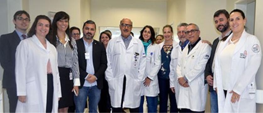 Secretários de Saúde e de Governo do Espírito Santo visitam maternidade do HRJR